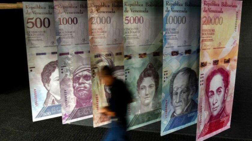 El Banco Central de Venezuela informó este lunes de la puesta en marcha de un nuevo sistema de control de cambios y que la tasa resultante de la primera subasta de divisas de 2018 quedó fijada en 30.987 bolívares por euro, unos 25.000 bolívares por cada dólar.