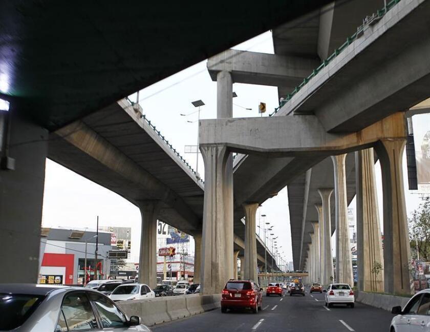 Fotografía de un tramo del Viaducto Bicentenario, controlado por la empresa OHL México, en el Estado de México. EFE/ARCHIVO