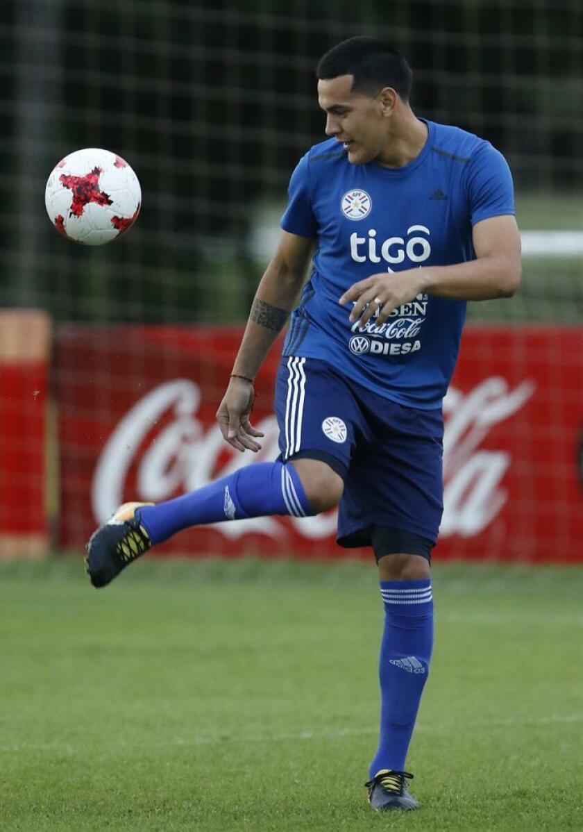 El defensa de la selección paraguaya de fútbol Gustavo Gómez. EFE/Archivo