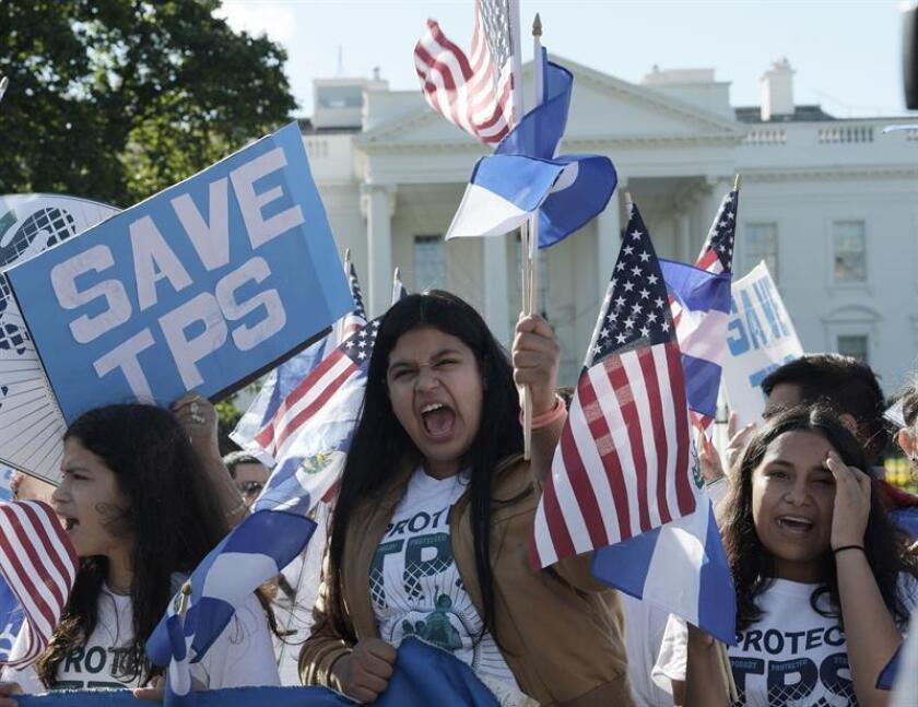 La decisión de la Administración de Donald Trump de retirar el Estatus de Protección Temporal (TPS) a nicaragüenses y aplazar seis meses su decisión sobre el de los hondureños no detendrá la lucha de los centroamericanos por lograr una residencia permanente, advirtieron hoy activistas. EFE/ARCHIVO