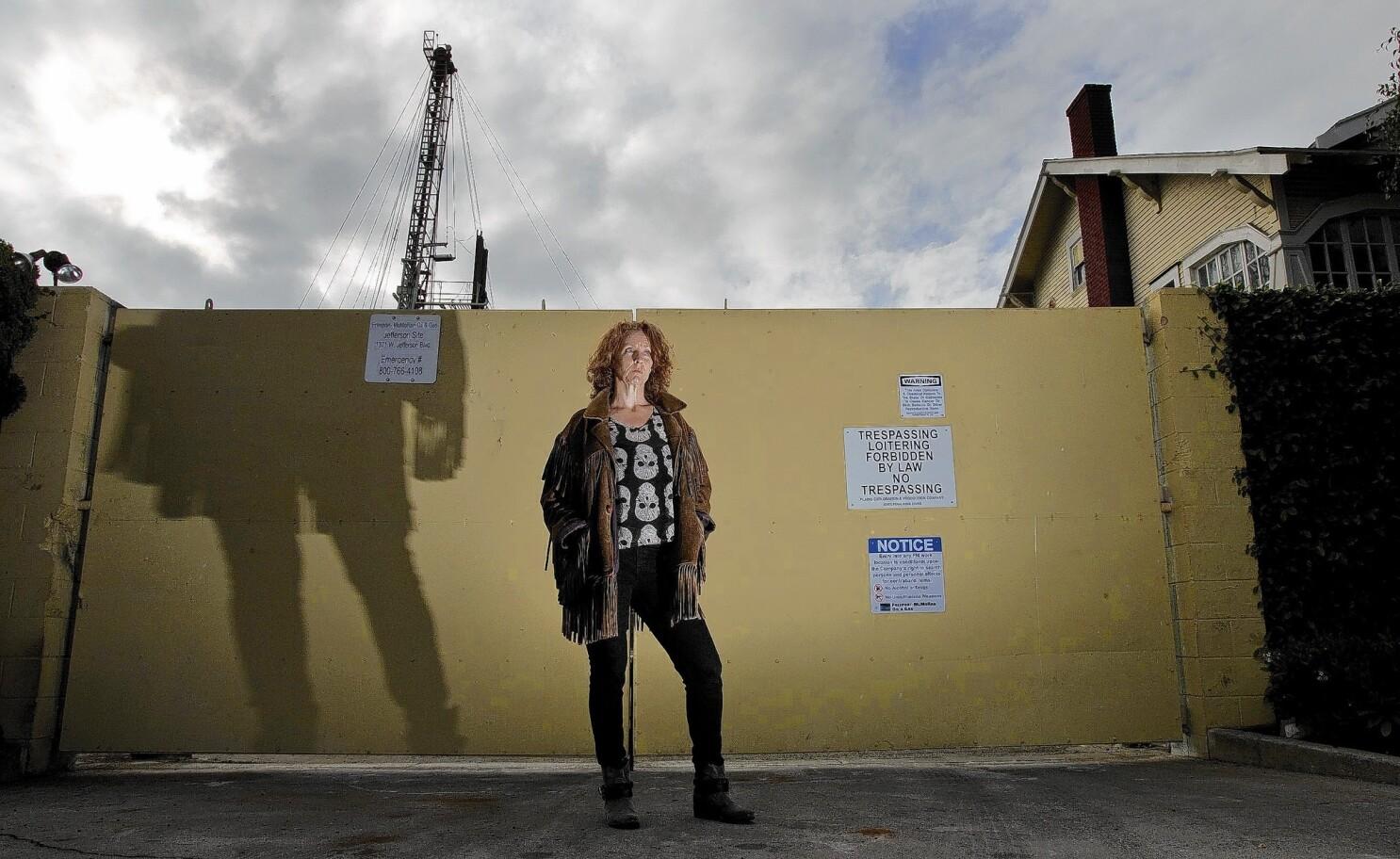 L A  City Council takes step toward fracking ban - Los
