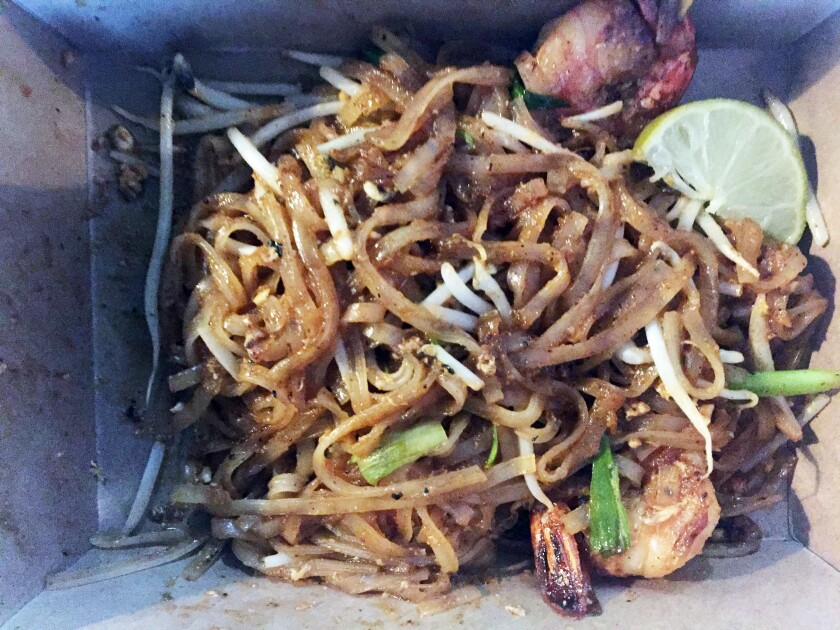 shrimp pad thai.jpg