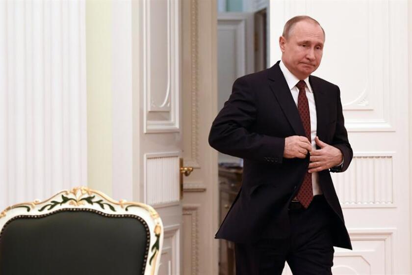 El Gobierno planea imponer este viernes sanciones económicas contra oligarcas rusos en represalia por la supuesta injerencia de Rusia en las elecciones de 2016, en el que podría ser el mayor golpe de Washington contra la elite empresarial rusa, informan hoy medios estadounidenses. EFE/ARCHIVO/POOL