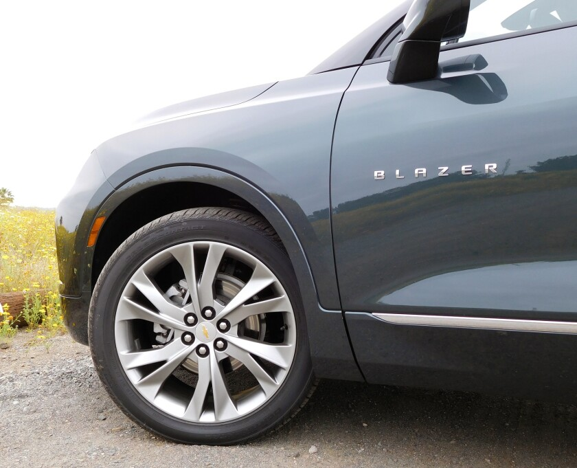 Chevrolet Blazer-12-Tire.jpg