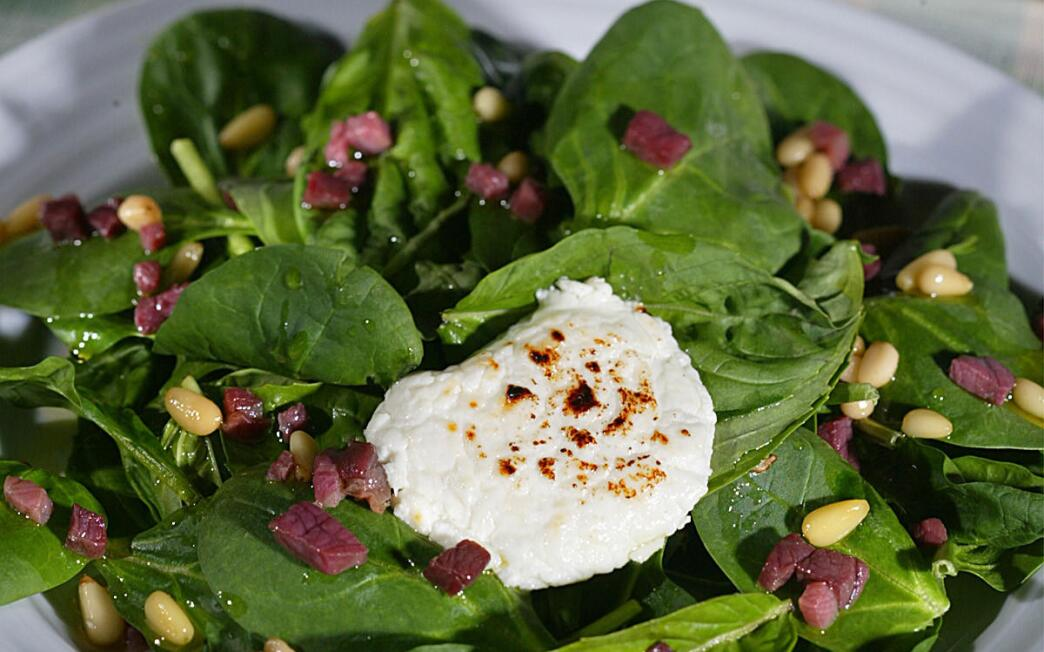 Warm spinach-basil salad