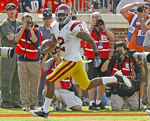 USC tailback C.J. Gable breaks into the clear during a 33-yard touchdown run against Virginia in the first quarter Saturday.