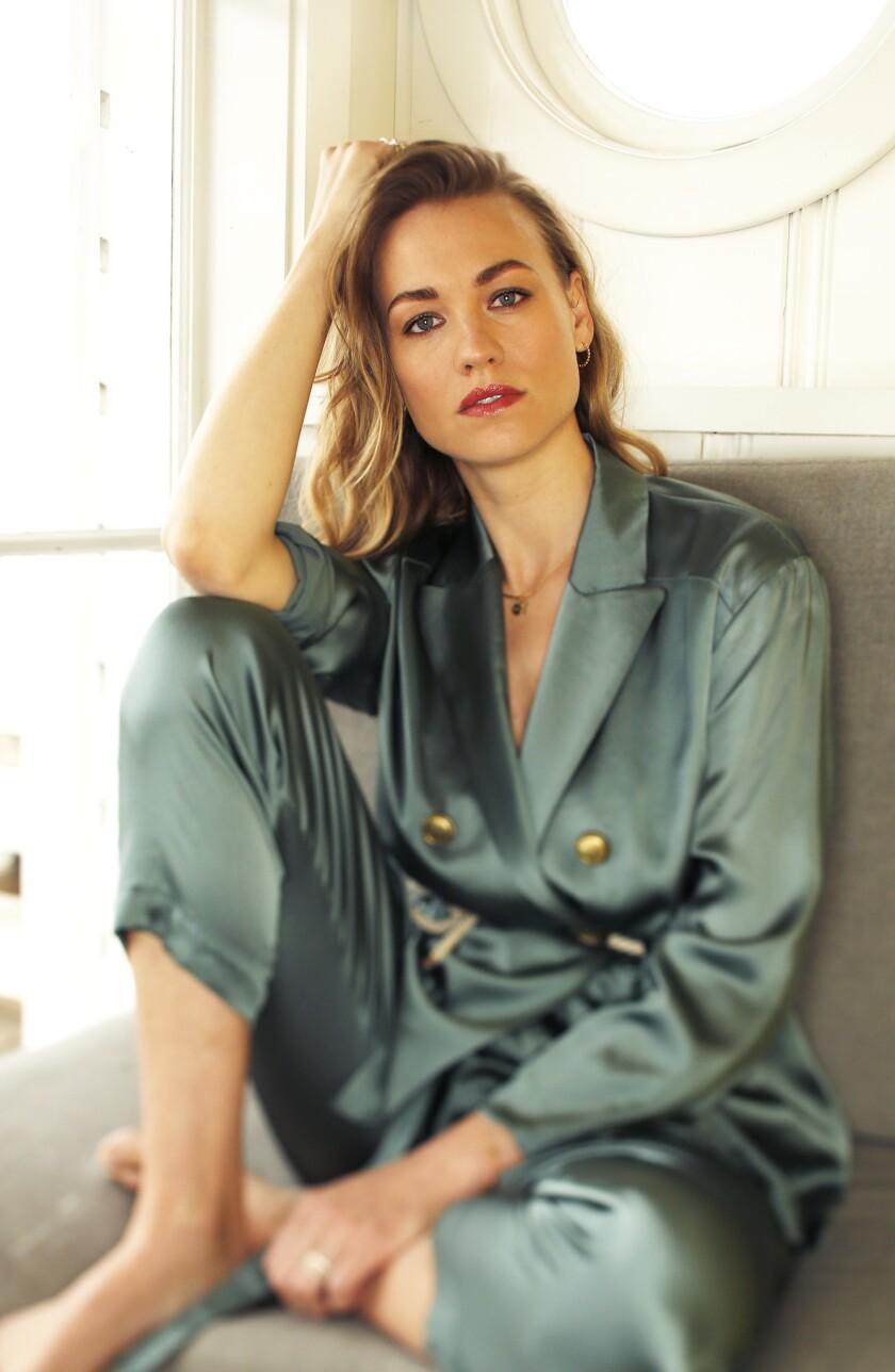 The Handmaid's Tale' star Yvonne Strahovski became a mother