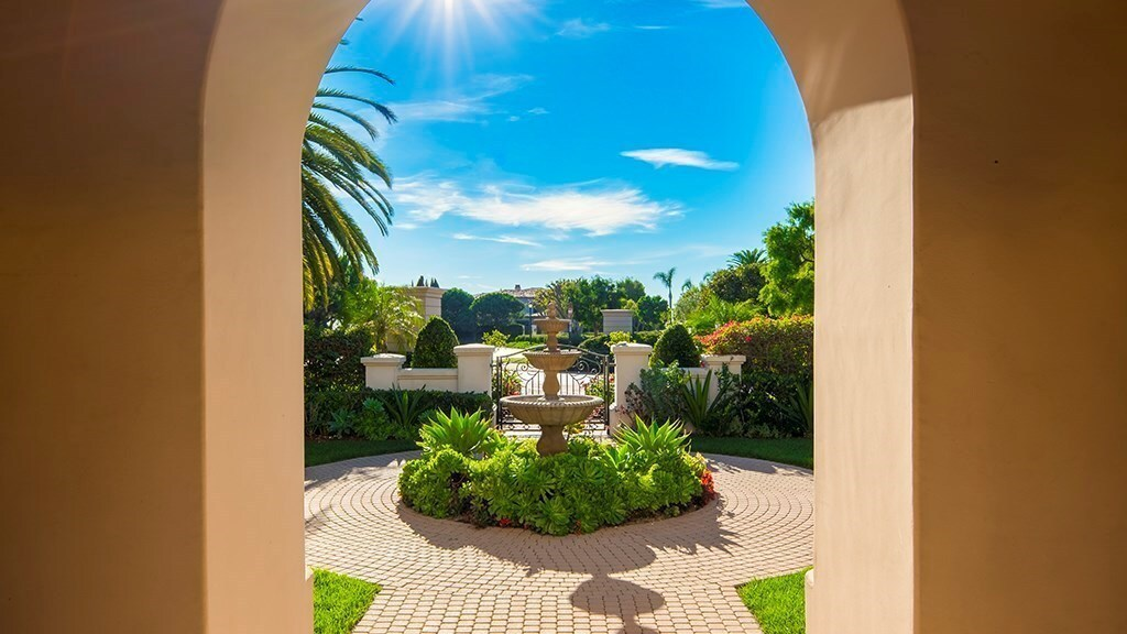 Dean Koontz's Newport Beach home | Hot Property