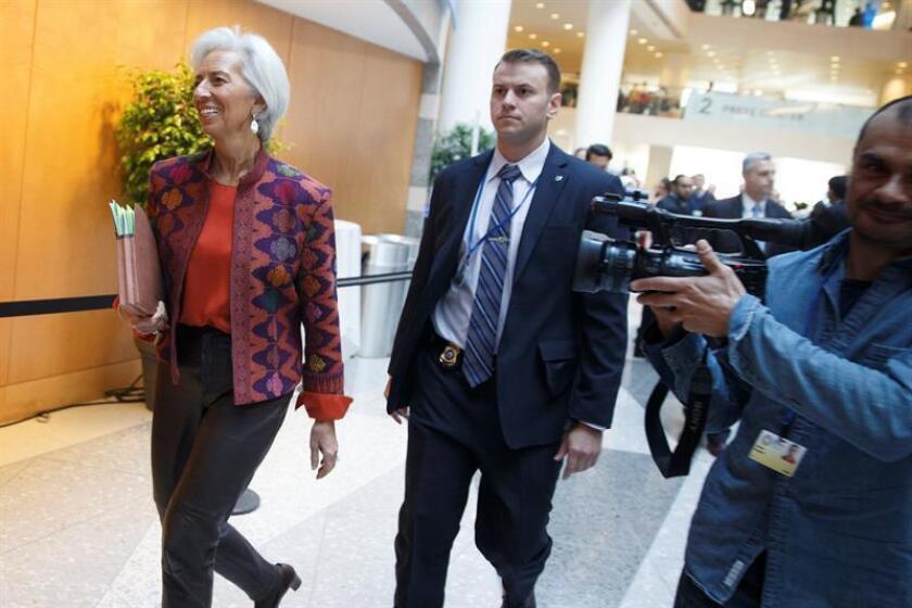 La directora gerente del Fondo Monetario Internacional (FMI), Christine Lagarde, llega a la reunión de ministros de Economía del G20 dentro de la asamblea de primavera del Fondo Monetario Internacional, en su sede de Washington, EE.UU., el 20 de abril del 2018. EFE