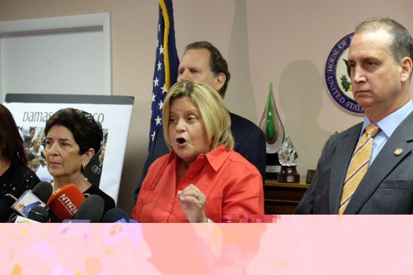 """Los congresistas de origen cubano por Florida Ileana Ros-Lehtinen y Mario Díaz-Balart se mostraron hoy """"esperanzados"""" de que el presidente electo, Donald Trump, acabe con las """"concesiones unilaterales"""" del presidente Barack Obama a Cuba. EFE/ARCHIVO"""