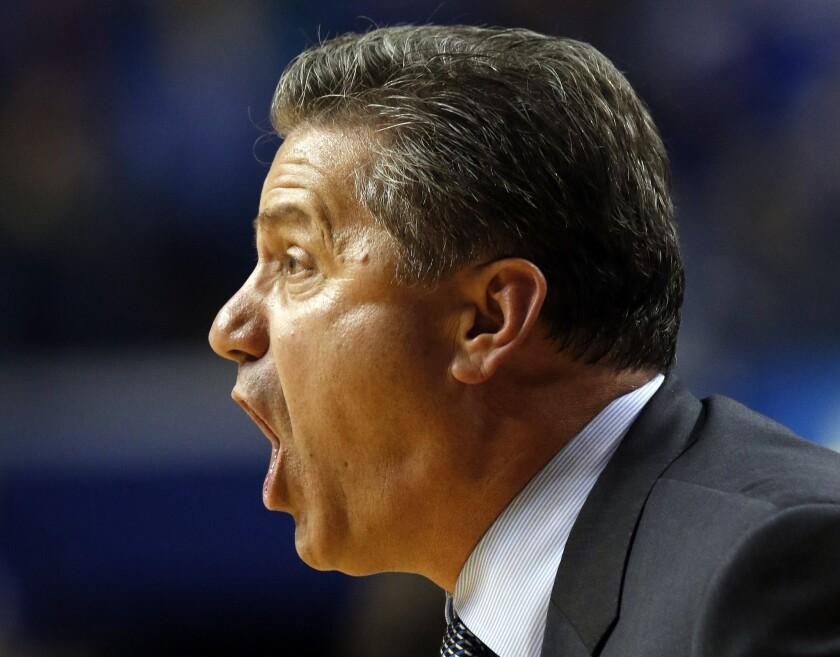 No. 1 Kentucky struggles but beats Illinois State, 75-63