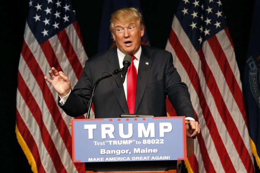 El candidato presidencial republicano Donald Trump habla durante un acto proselitista el miércoles 29 de junio de 2016, en Bangor, Maine. (AP Foto/Robert F. Bukaty)