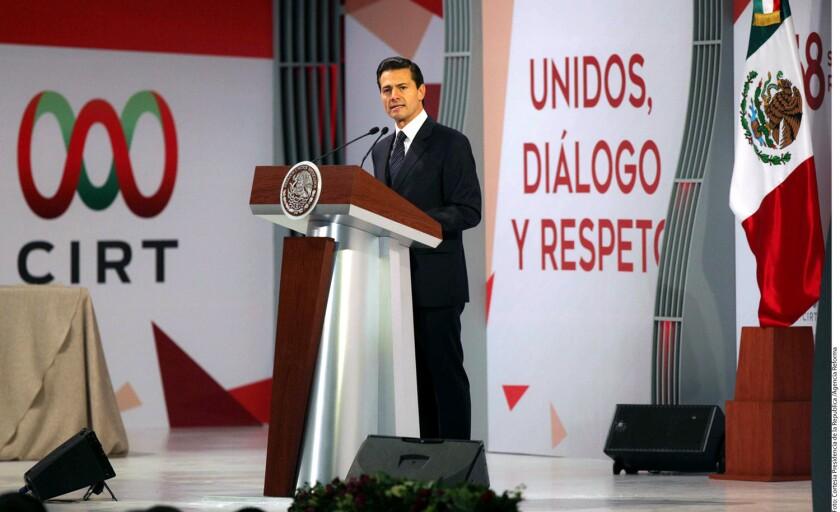 """El presidente de México, Enrique Peña Nieto, pidió hoy dejar """"de lado el pesimismo"""", porque la construcción de una """"mejor nación"""" depende de la """"buena vibra"""" y de la """"energía"""" que proyecten todos los ciudadanos."""