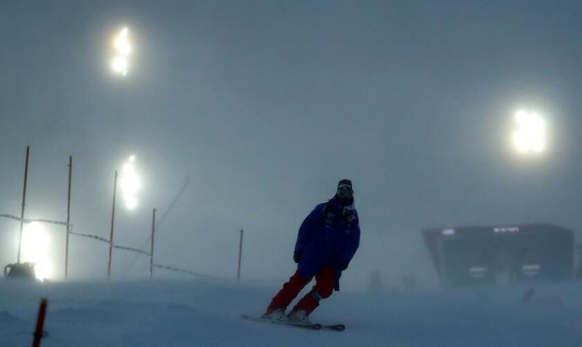 Las condiciones meteorológicas hicieron inviable la celebración del eslalon masculino al no poderse garantizar la seguridad de los participantes en la estación francesa de Val d'Isere. EFE