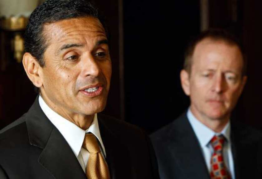 In 2007, Mayor Antonio Villaraigosa and other city leaders approved a five-year package with the coalition of unions representing most civilian city workers that promised 5% raises each year.