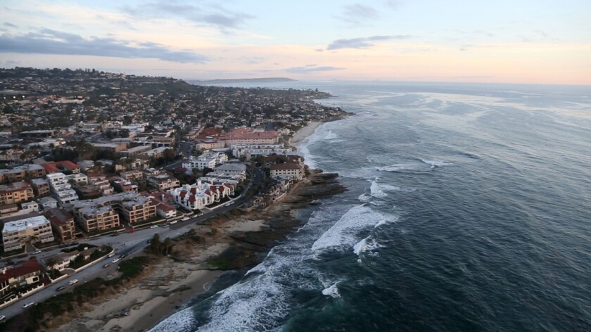 The Romance Tours provided by Corporate Helicopters provides stunning views of picturesque locations like La Jolla.
