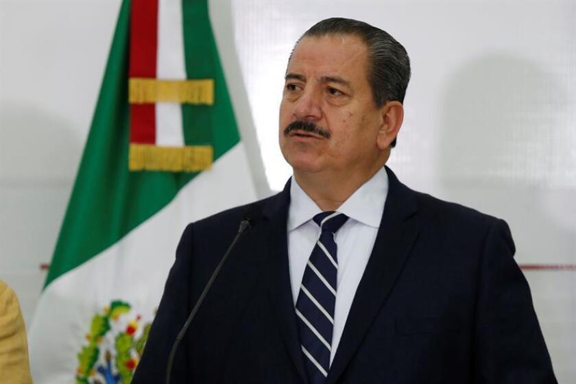 El fiscal estatal Raúl sánchez Jiménez participa hoy, jueves 9 de agosto de 2018, durante una rueda de prensa, en la ciudad de Guadalajara, Jalisco (México). EFE
