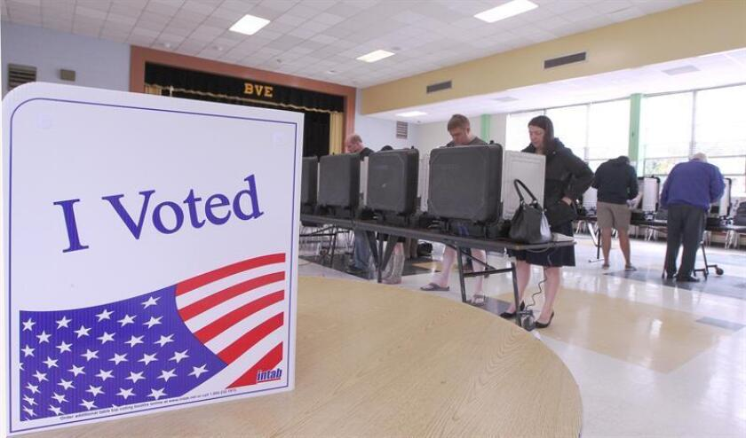 Estadounidenses asisten a votar al Briar Vista Elementary de Atlanta, Georgia (Estados Unidos). EFE