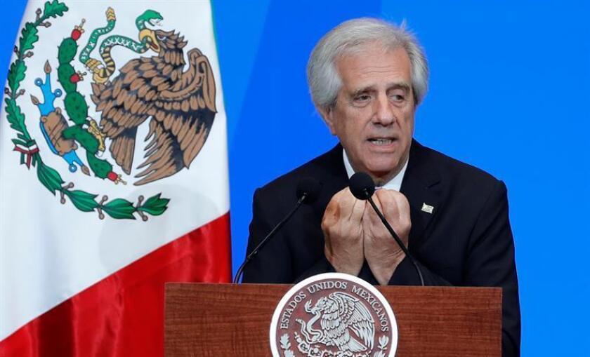 El presidente de Uruguay, Tabaré Vázquez, habla hoy, martes 14 de noviembre de 2017, en el Palacio de Minería en Ciudad de México (México), donde tiene lugar la Cumbre Mundial de Líderes contra el Cáncer (WCLS). EFE