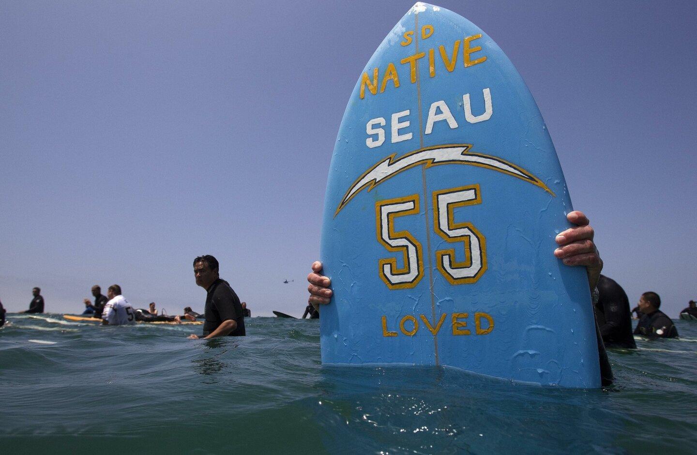 Junior Seau paddle-out
