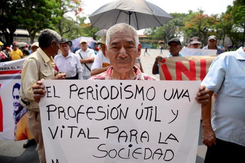 Varios periodistas de Tijuana, en el noroccidental estado de Baja California, trabajan bajo protección policial ante las amenazas recibidas de dos individuos que curiosamente han sido protegidos por el Gobierno federal mexicano. EFE/Archivo