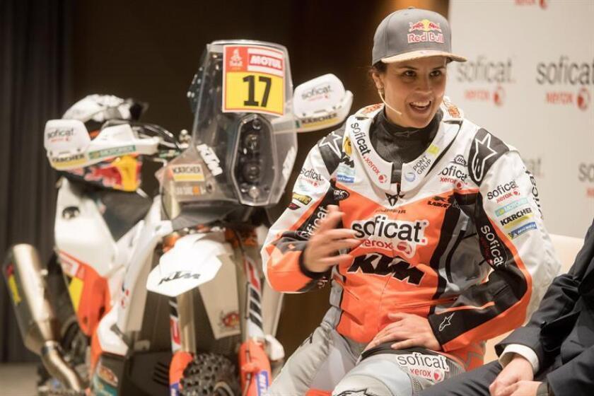 La motociclista Laia Sanz durante la rueda de prensa de la semana pasada para explicar los detalles de su novena participación en el rally Dakar. EFE
