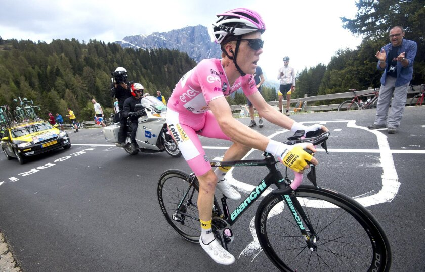 Steven Kruijswijk, wearing the pink jersey of leader of the race, pedals during the 15th 15th stage of the Giro D'Italia, Tour of Italy cycling race from Castelrotto to Alpe di Siusi, Italy, Sunday, May 22, 2016. (Claudio Peri/Ansa via AP Photo) ITALY OUT