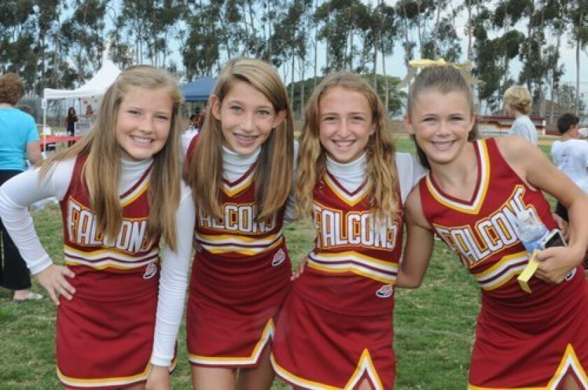 Cheerleaders Nicole Hild, Stephanie Silva, Soleil Montemurro, Kaitlin Mohler