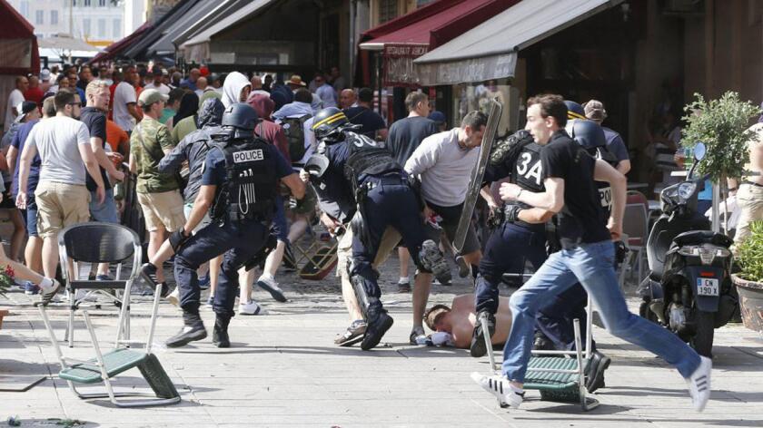La violencia ha manchado a la Eurocopa 2016...
