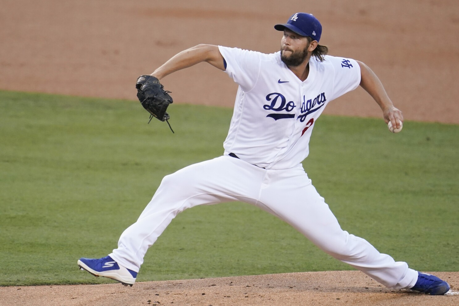 Clayton Kershaw ready to pitch in Game 2 against Brewers - Los Angeles Times