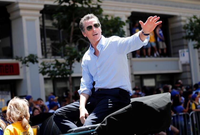 El demócrata Gavin Newsom será el nuevo gobernador de California tras derrotar hoy al empresario republicano John Cox, según las estimaciones difundidas tras el cierre de las urnas por las cadenas NBC y CNN. EFE/ARCHIVO