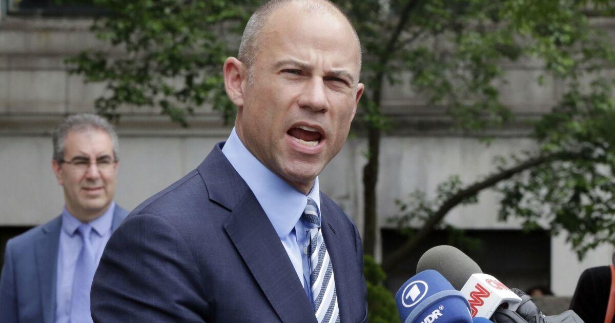 Αρχές κινούνται Λ. Α. δικηγόρος Μάικλ Avenatti στη Νέα Υόρκη πριν από τη δίκη