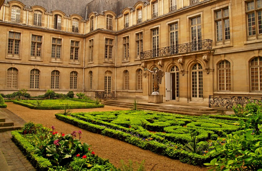 The entrance-courtyard area to the Musee Carnavalet, a mansion built in the 16th century that is now a museum devoted to the history of Paris.