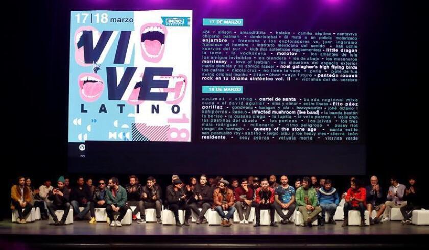 Algunos de los artistas que participarán en el Festival Vive Latino hablan con la prensa hoy, jueves 18 de enero de 2018, durante una conferencia en Ciudad de México donde fue presentado el cartel que se celebrará el 17 y 18 de marzo con la actuación de 84 bandas musicales de 18 países. EFE