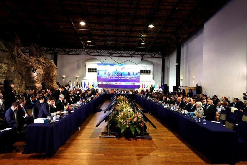 Vista general durante la sesión plenaria de jefes de estado en la XXVI Cumbre Iberoamericana, en Antigua, Guatemala. EFE