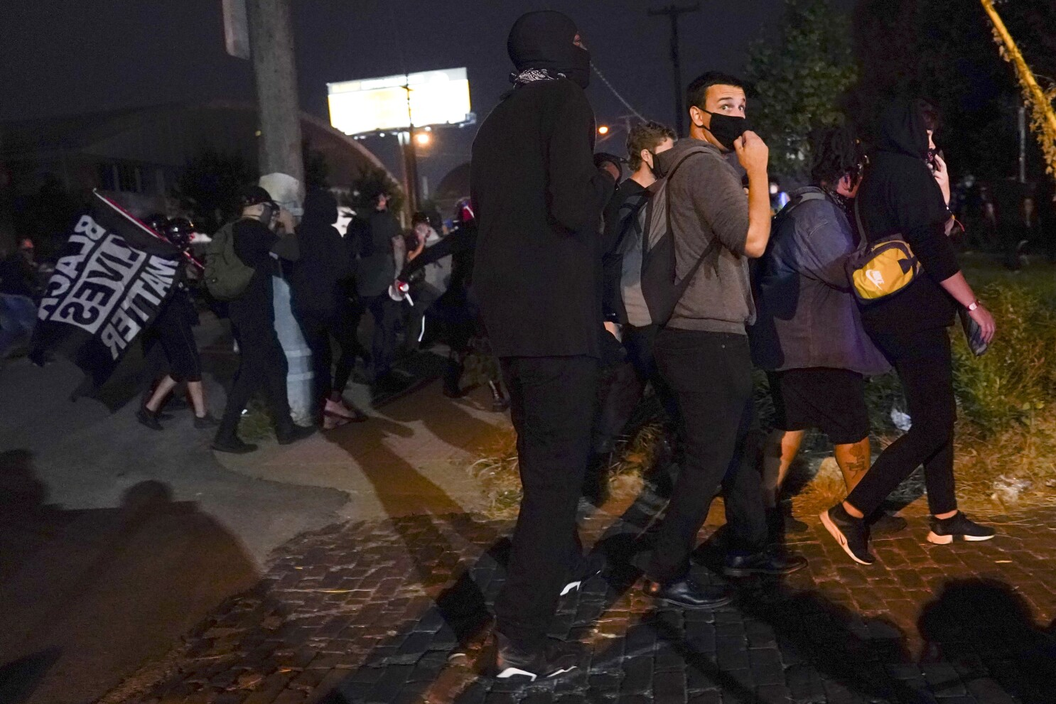2 Louisville Officers Shot Amid Breonna Taylor Protests The San Diego Union Tribune