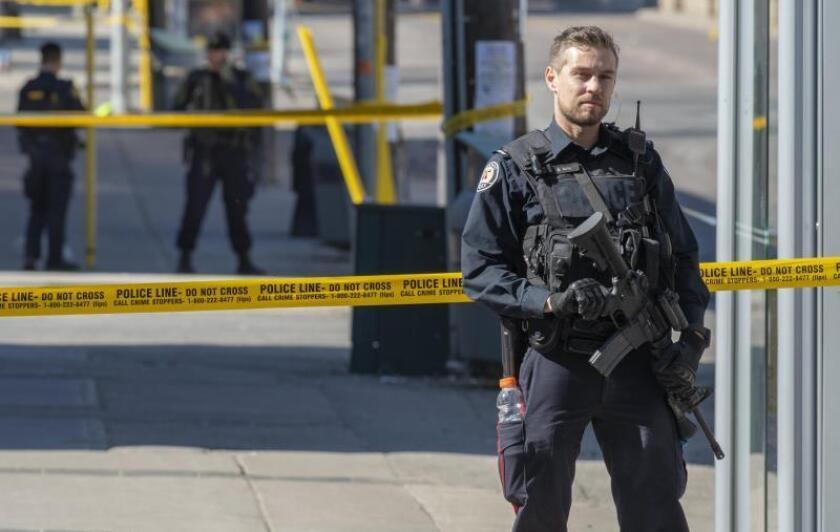 Aumenta el misterio de dos acusados de asesinato tras huír del cerco policial
