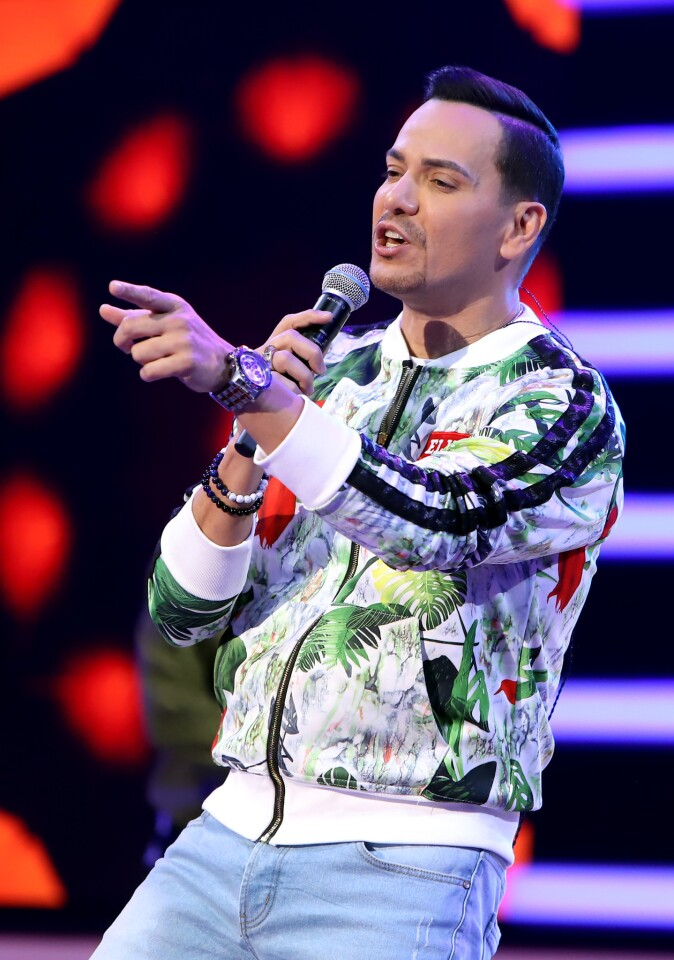 PREMIOS BILLBOARD DE LA MÚSICA LATINA 2018 -- Pictured: Victor Manuelle performs during rehearsals at the Mandalay Bay Resort and Casino in Las Vegas, NV on April 23, 2018 -- (Photo by: John Parra/Telemundo)