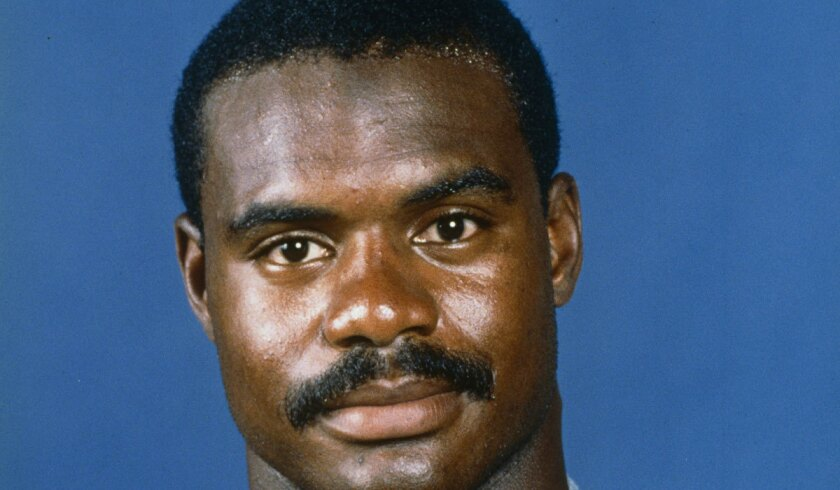 Dave Duerson, shown with the Chicago Bears in 1988, died in 2011.