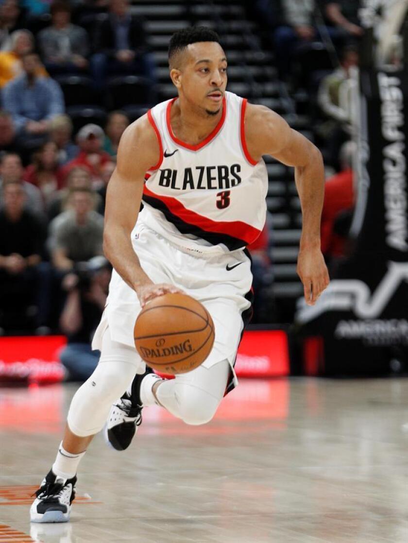 El jugador CJ McCollum de Portland Trail Blazers en acción durante un partido de la NBA. EFE/Archivo