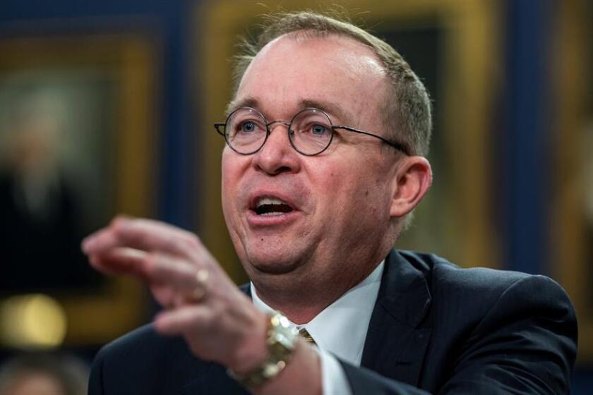 Jefe de presupuesto de Casa Blanca admite preferencia de trato a sus donantes
