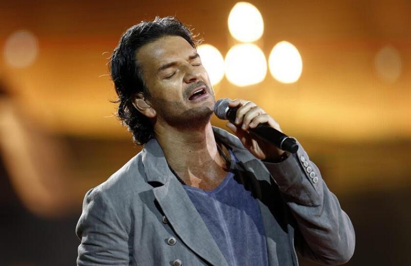El cantante guatemalteco Ricardo Arjona durante una presentación. EFE/Archivo