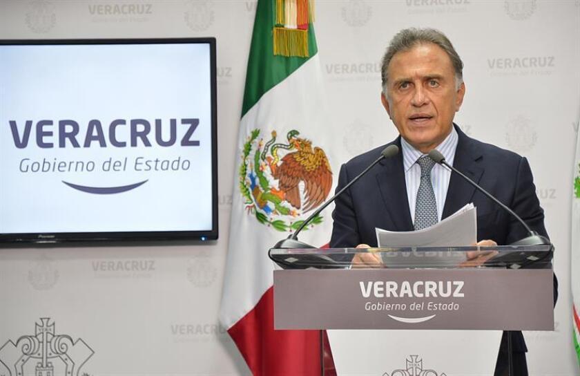 Las autoridades de Veracruz detuvieron a cinco personas que pueden estar vinculadas con el asesinato de la joven Valeria Cruz, hija de una diputada federal, informó hoy el gobernador de dicho estado mexicano, Miguel Ángel Yunes. EFE/Archivo