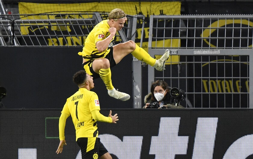 Haaland scores as Dortmund beats local rival Schalke 3-0 - The San Diego  Union-Tribune