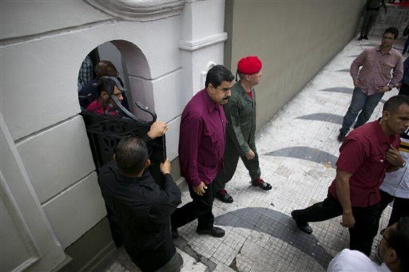 Un jurado declaró hoy culpables en Nueva York a dos familiares de la pareja presidencial de Venezuela, que durante dos semanas fueron sometidos a un juicio tras ser acusados de conspirar para exportar y distribuir cocaína en EEUU.