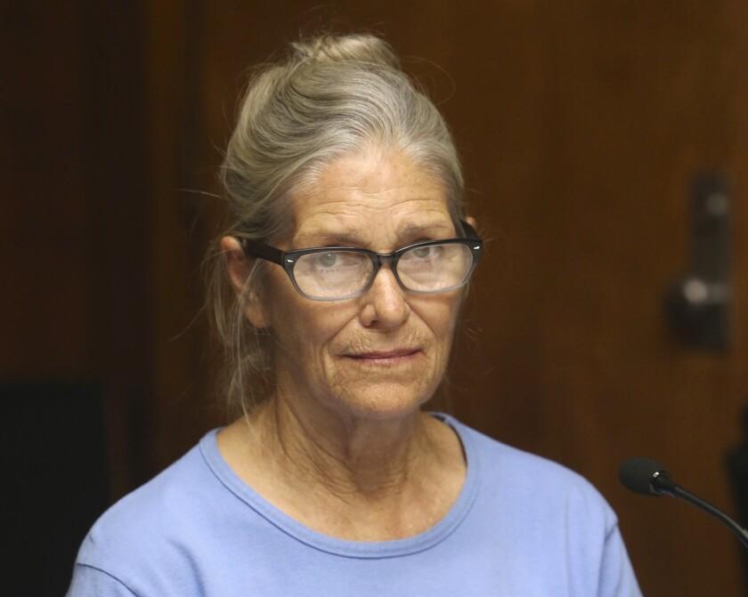 \ En imagen de archivo del 6 de septiembre de 2017, Leslie Van Houten se presenta en una audiencia