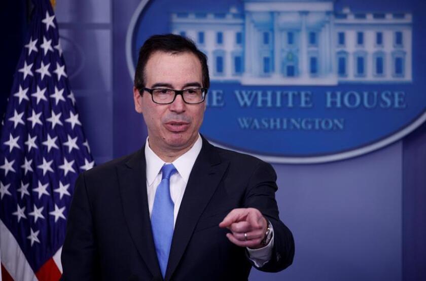 El secretario del Tesoro estadounidense, Steven Mnuchin, ofrece una rueda de prensa en la Casa Blanca, en Washington DC. EFE/Archivo