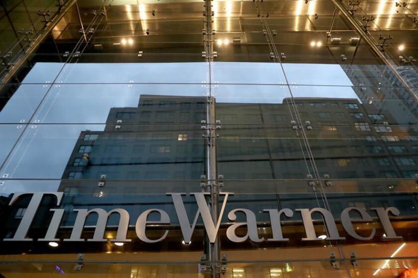 Vista general de la entrada a las oficinas de Time Warner en Nueva York (EE. UU.). EFE/Archivo