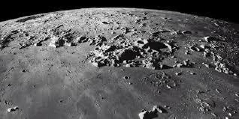 Científicos del Instituto Tecnológico de Massachusetts (MIT) y de la Universidad Brown han descubierto el origen de Oriental, el mayor cráter de la Luna formado hace 3.800 años y con un diámetro de 930 kilómetros, según publicó este jueves la revista Science.
