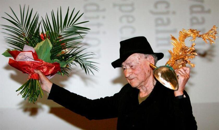 Fotografía de archivo del cineasta lituano Jonas Mekas. EFE/Jacek Bednarczyk/PROHIBIDO SU USO A POLONIA